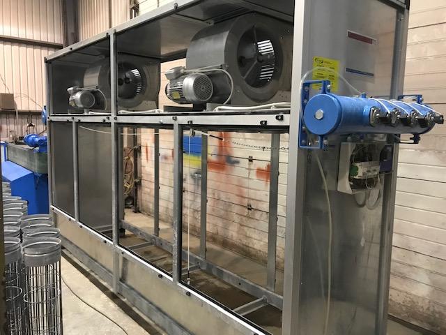 Dry dust extractor